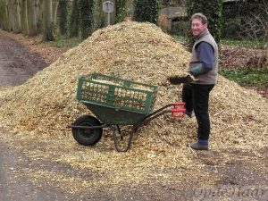 Moving wood chippings